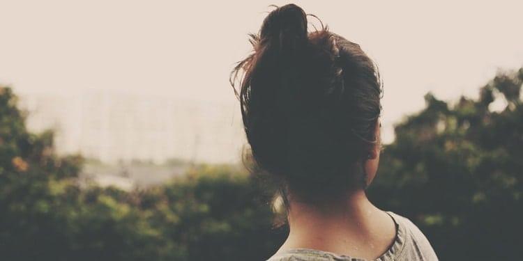 Что делать, если бывшая вас игнорирует (И причины, почему она вас игнорирует)