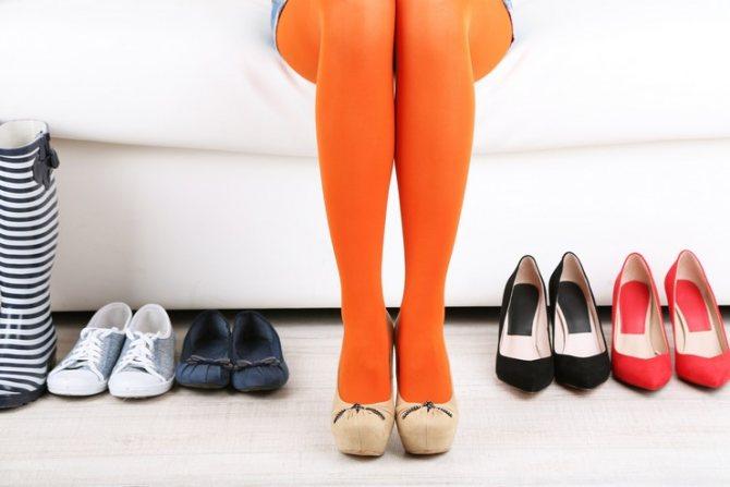 Коричневые туфли с какими колготками