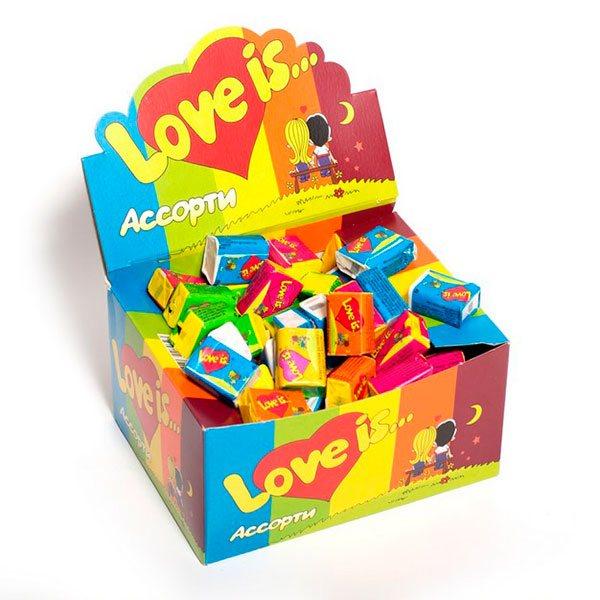 Коробка жвачек «Love is»