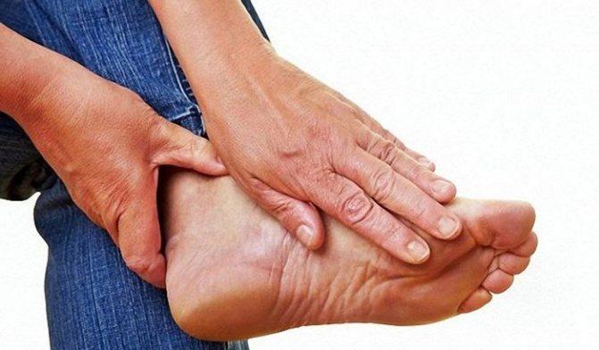 опухают ноги в районе стоп у мужчин