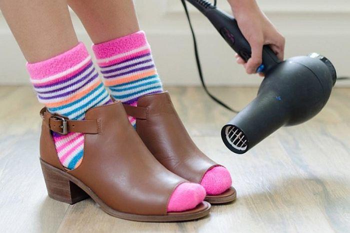 разносить обувь дома