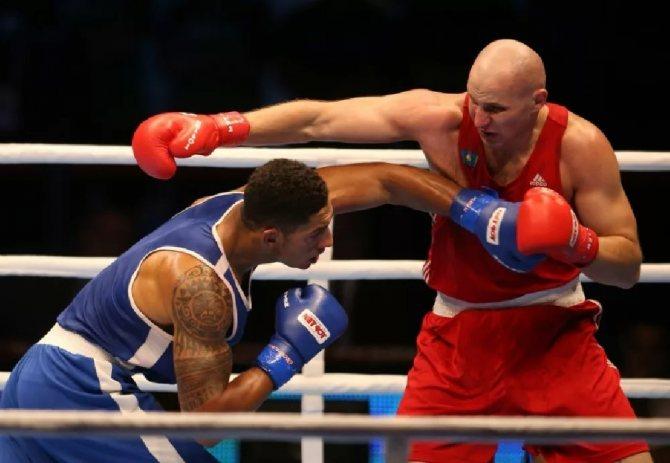 Все удары в боксе - Боковой удар в боксе - Сильный удар в боксе